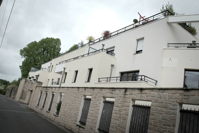 Garde-corps balcons, pare-vue, portail et grilles de clôture acier